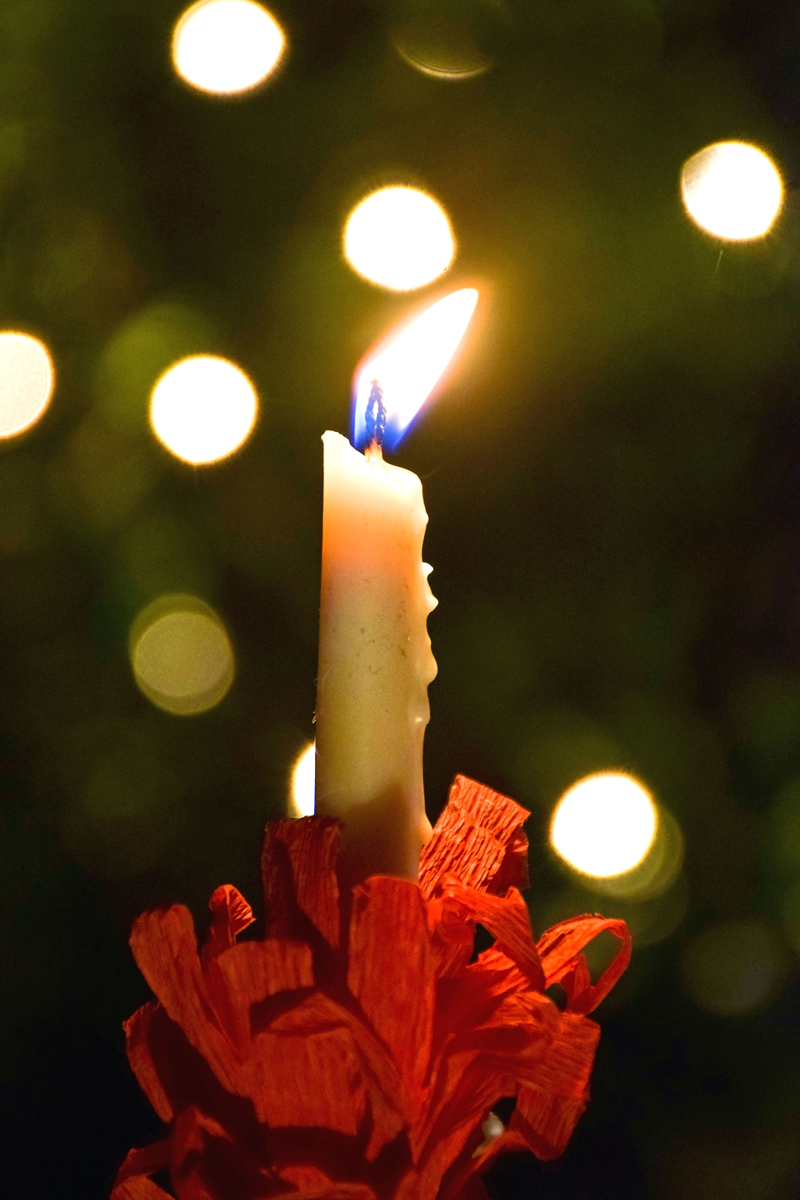 Lit lovefeast candle